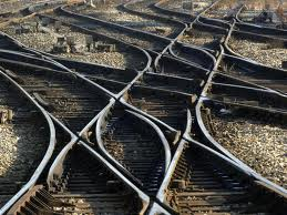 Train_tracks_intersecting